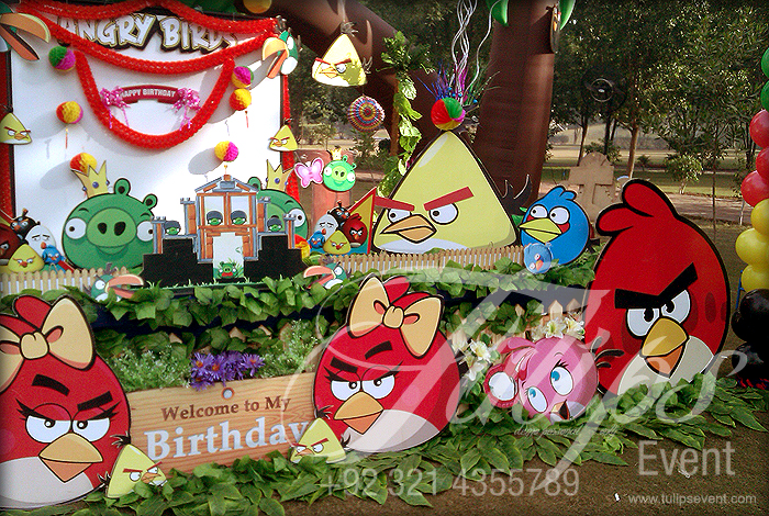 Angry birds for Angry bird birthday decoration ideas