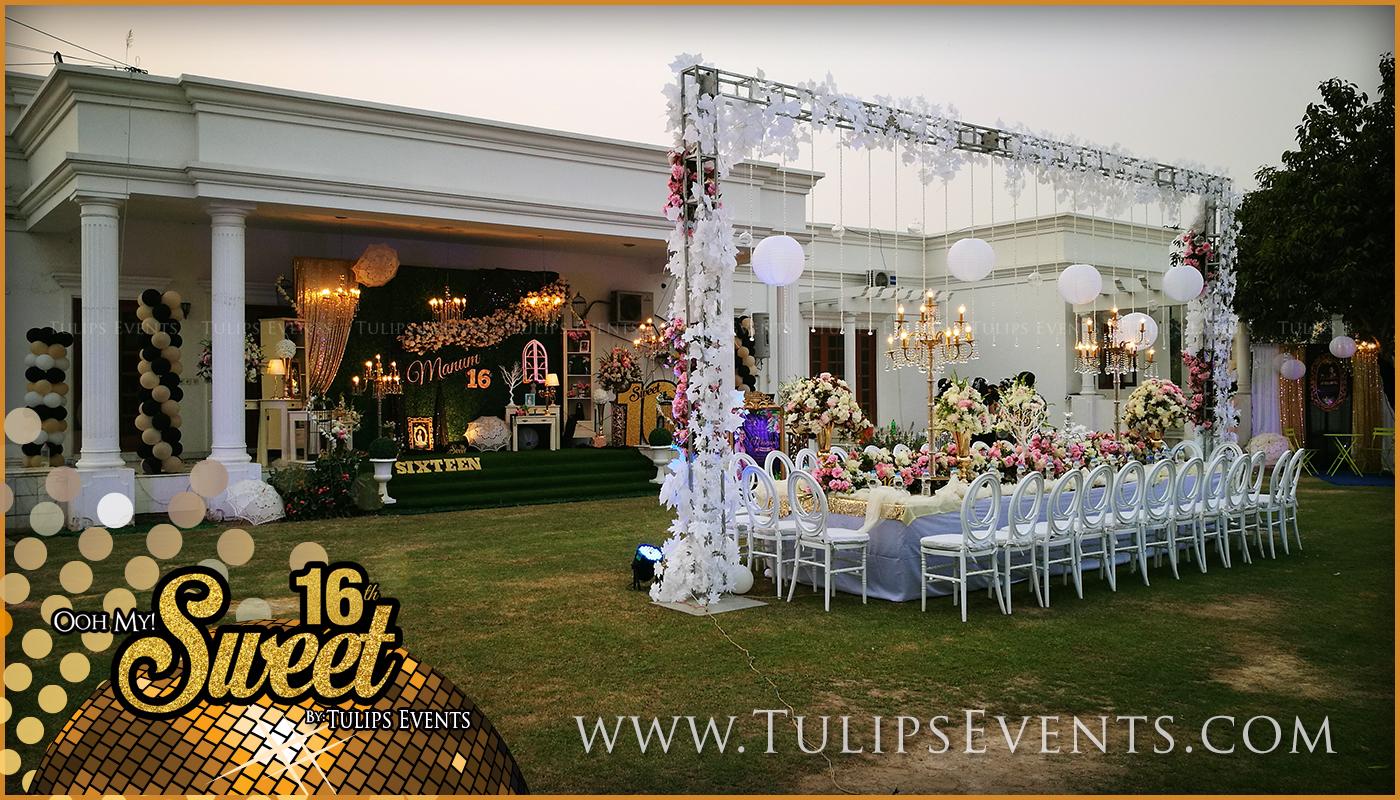 sweet-16-golden-party-decor-ideas-in-pakistan-15