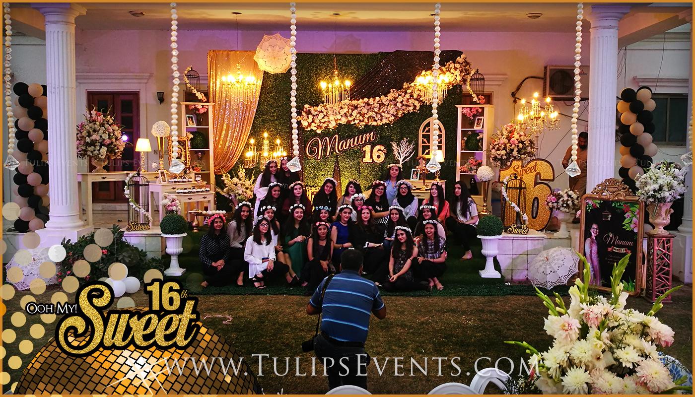 sweet-16-golden-party-decor-ideas-in-pakistan-8